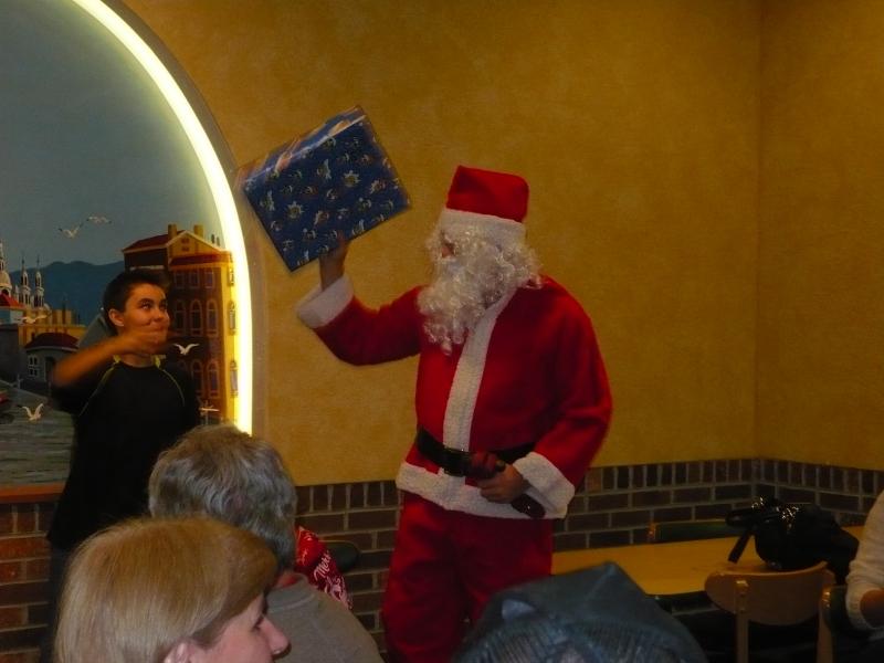 P1020856 Santa Present